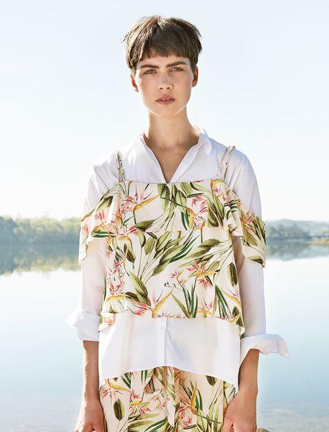 <p>La tendencia se extiende también a prendas difíciles de llevar, a las que añade camisetas o camisas.</p>