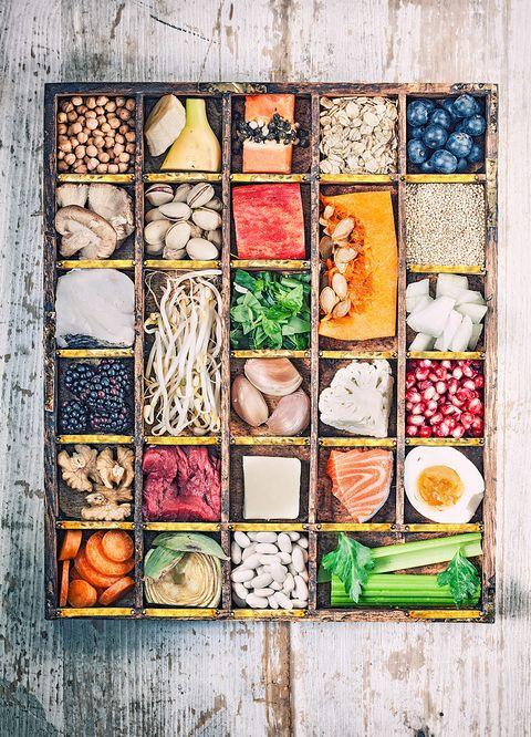<p><strong>Llena tu despensa de...</strong> 'Carbohidratos integrales, fruta y verdura, proteínas limpias (pollo, pavo...) y grasas saludables', aseguran. 'Todo lo más natural posible y procesados, cuanto menos mejor'.</p>