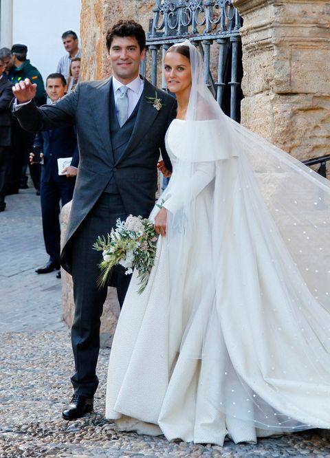 <p>Una preciosa boda real en Íllora (Granada), un pequeño pueblo granadino que la novia conoce desde que era pequeña de apenas diez mil habitantes</p>