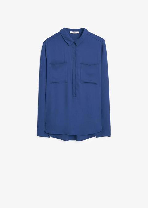 <p>Blusa oversize en azul klein, de<strong>Mango</strong>(14,99 €).</p>