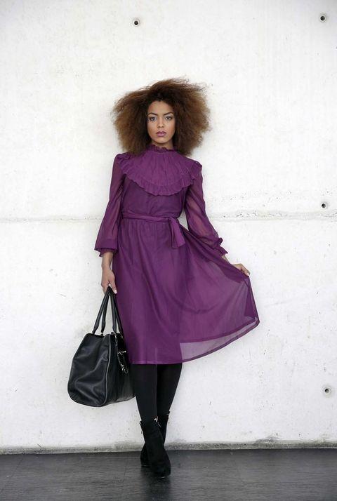 <p>Un vestido púrpura con un precioso cuello victoriano para soñar...</p><p>&nbsp&#x3B;</p>