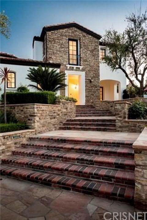 <p>Entre jardines y espacio <i>outdoor,</i> la mansión suma casi 1.500 m2 más. </p>