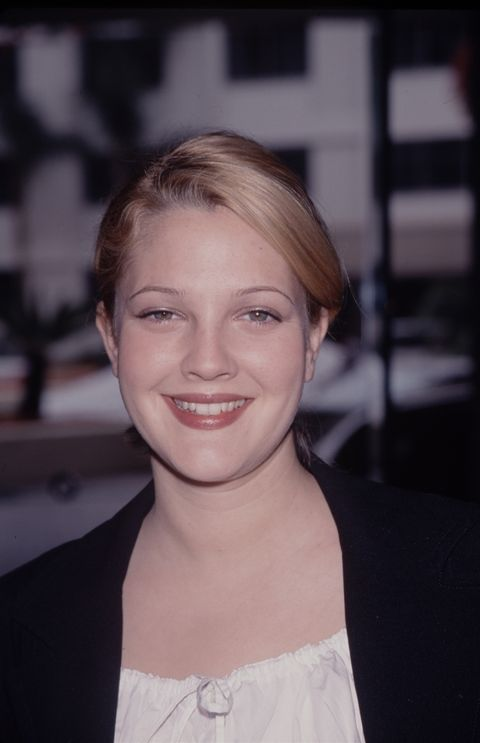 <p><strong>Drew Barrymore</strong>, máximo exponente de las cejas finísimas que tan de moda estaban en plenos años 90.</p><p></p>
