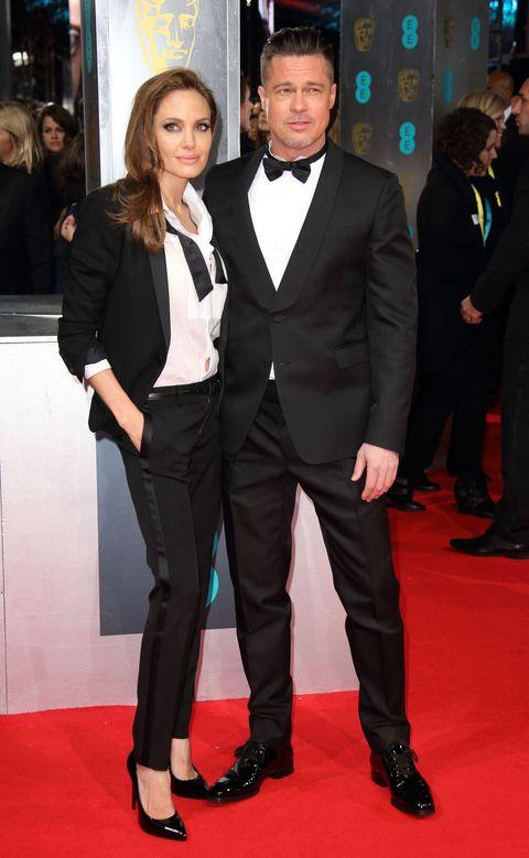<p>En los British Academy Film Awards de 2014 Angelina y Brad nos dejaban sin palabras al acudir los dos vestidos con esmoquin. Bravo.</p>