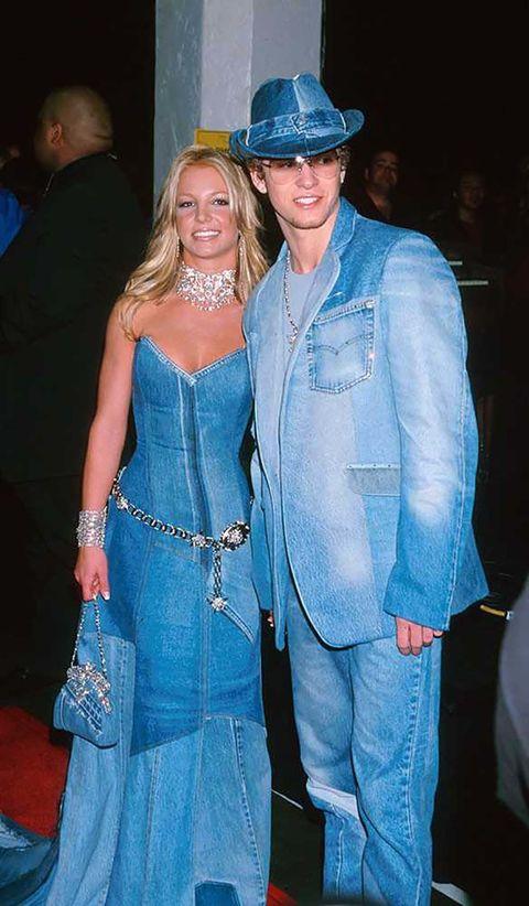<p>En 2001, sí. En los American Music Awards. Que ¿en qué estaban pensando? Aún nos lo preguntamos… El amor, quizás.&nbsp&#x3B;</p>