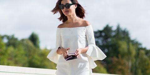 10-vestidos-off-the-shoulders-low-que-necesitas-este-verano