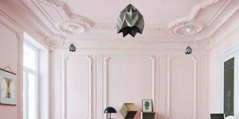 Salón decorado en rosa chicle