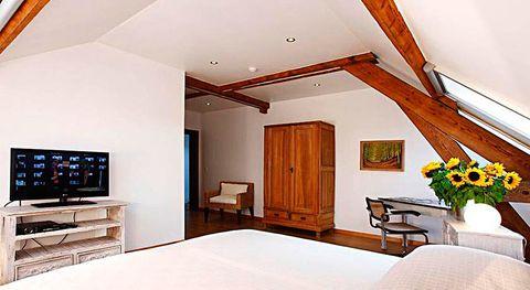 <p>Todas las habitaciones, incluidos los dormitorios, tienen un toque minimalista.</p>