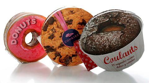 """<p>Añade a tu biblioteca gourmet estos tres divertidos libros con recetas ocurrentes y prepara donuts de caramelos, cookies afrodisiacas o coulants bretones (6,90 €, <a href=""""http://www.libroscupula.com"""" target=""""_blank"""">www.libroscupula.com</a>).</p>"""