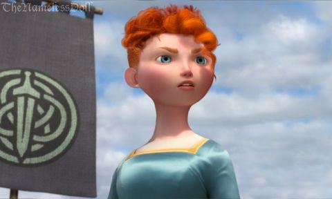 <p>La larga cabellera rizada de Mérida ('Brave'), termina convertida en un corte similar al que lucen en la película sus hermanos pequeños.</p>