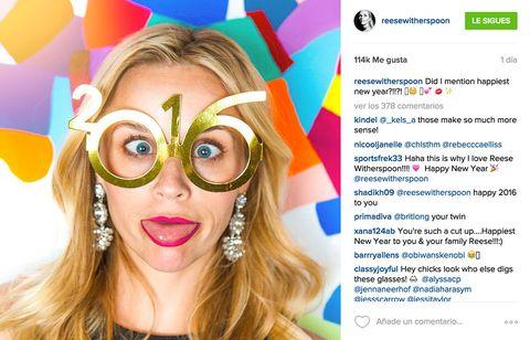 <p>Siempre regalándole momentos divertidos a sus fans, <strong>Reese Witherspoon&nbsp;</strong>se plantó estas cómicas gafas.</p>