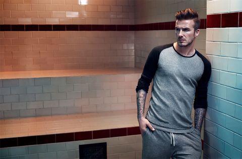 <p>Beckham confesó sentirse contento y satisfecho con el trabajo realizado: &quot;fue genial realizar la sesión fotográfica en un vestuario ambientado al más puro estilo de las instalaciones deportivas del viejo East End londinense. Ha sido un retorno a mis orígenes&quot;, dice.</p>