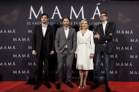 <p>El protagonista, <strong>Coster-Waldau, Andy Muschietti</strong> (director), <strong>Bárbara Muschietti</strong> (productora y co guionista) y el actor español <strong>Javier Botet</strong>, forman parte del elenco principal de <strong><i>Mamá</i>.</strong></p>