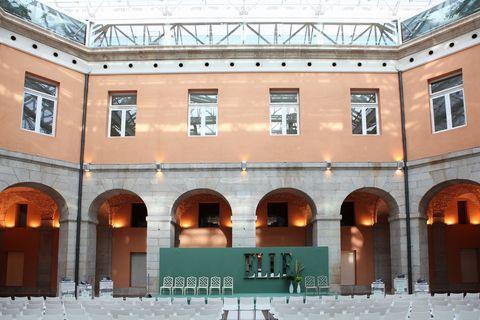 <p>Así lucía la Real Casa de Correos de Madrid minutos antes de dar comienzo a las charlas de los ELLE Talks Fit.</p>