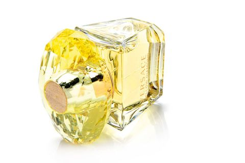 <p>Perfume 'Yellow Diamond' (93,50 €), de <strong>Versace</strong>.</p>