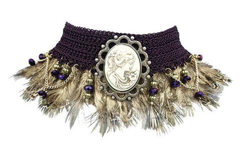 <p>El mundo de los alados triunfa en moda y diseño. ¿Un ejemplo? Este cuello de isha-kandisha. </p>