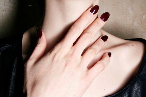 Esmalte de uñas en 'spray'