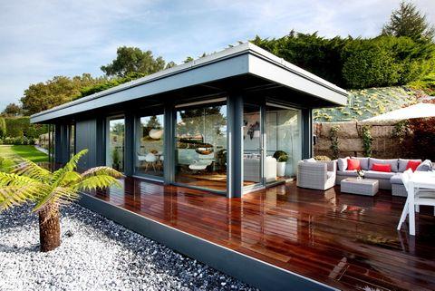 <p>Cercana a la localidad de Baiona, en Pontevedra, Unique Ocean Home es una acogedora casa de vacaciones que se encuentra elevada sobre una plataforma de listones de madera.</p>