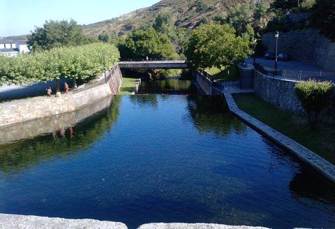 Los mejores ba os de interior for Piscinas fluviales leon
