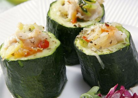Green, Food, Cuisine, Ingredient, Produce, Vegetable, Finger food, Sushi, Dishware, Dish,