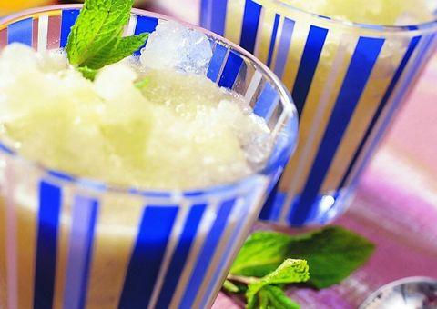 Food, Ingredient, Kakigōri, Drinkware, Serveware, Garnish, Dishware, Drinking straw, Recipe, Cocktail garnish,