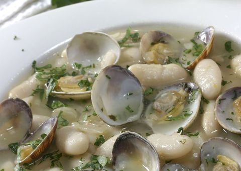 Food, Ingredient, Bivalve, Dish, Seafood, Clam, Recipe, Produce, Dishware, Side dish,