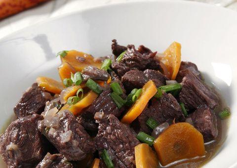 Food, Beef, Cuisine, Ingredient, Dishware, Meat, Dish, Beef bourguignon, Pork, Cooking,