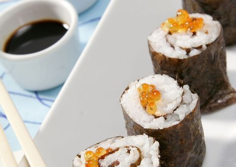 Serveware, Cuisine, Food, Sushi, Liquid, Ingredient, Drink, Dish, Finger food, Gimbap,