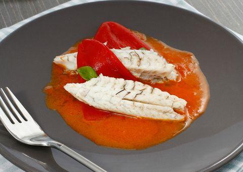 food, dishware, ingredient, tableware, orange, kitchen utensil, serveware, fruit, cutlery, plate,