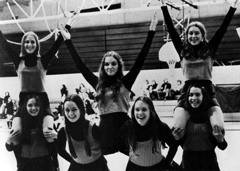 """<p>Madonna nació el 16 de agosto de 1958 en Bay City (Michigan, Estados Unidos), tiene un coeficiente intelectual de 140 (a partir de 130 una persona se considera superdotada) y su primer 'trabajo' fue el corto <a href=""""https://www.youtube.com/watch?v=B-v8LrVt9lw"""" target=""""_blank"""">""""The Egg""""</a>, grabado cuando ella tenía 16 años y todavía era 'cheerleader' en el instituto. Dura un minuto, es de corte surrealista y tiene una calidad ínfima. En él que interpreta a una chica que primero juega con un huevo y después, se cocinan y comen otro sobre su piel.</p>"""