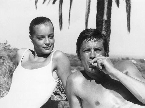 <p>Tírate de cabeza hacia la tendencia más elegante: vestidos y faldas 'minimal', trajes de baño 'vintage', bailarinas 'nude' y joyas 'soft'.</p><p><strong>Fotograma:</strong> La Piscine (1969)</p>