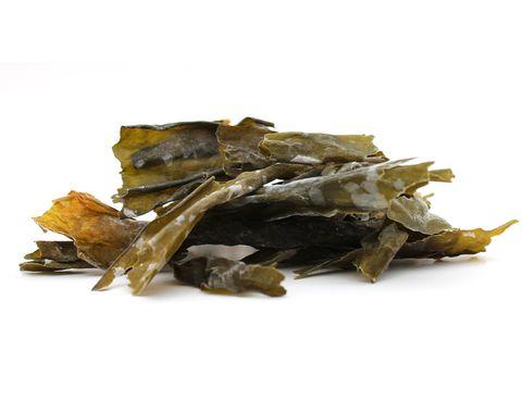 <p>Se utiliza para potenciar el sabor de los guisos y caldos. Tiene propiedades depurativas y además es rica en yodo.</p>
