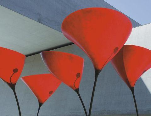 <p><i>Maxxi Poppy</i> para exterior, de Gruppo Startt y editada por Viabizzuno.</p>