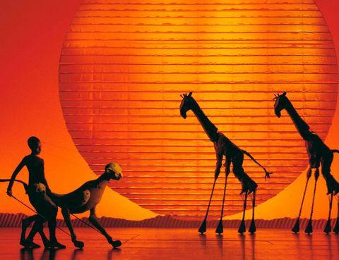 <p>Es sin duda una producción musical increíble y la mayor que se haya presentado en nuestro país. Ya la han visto más de 70 millones de personas en todo el mundo y este fin de semana tú también podrás hacerlo porque vuelven a Madrid. En el Teatro Lope de Vega, el elenco de artistas que participan nos sorprenderán de nuevo con su colorida y llamativa puesta en escena, con deslumbrantes efectos visuales y evocadoras músicas. Déjate llevar por la fuerza de este espectáculo y transpórtate al exotismo de la sabana africana.</p>