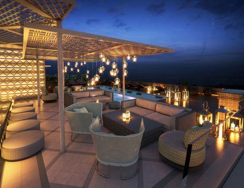<p>Este mágico espaciocon la firma de Arola en el Hotel Aguas de Ibiza está instalado íntegramente en el ático de una exclusiva terraza con vistas al puerto deportivo y sus maravillosas puestas de sol, tumbonas y zona chill out. Relax, buena comida y buen tiempo asegurado. ¡Vi Cool… Ibiza!</p><p></p><p><strong>Salvador Camacho, 9, Santa Eulalia del Río, (Ibiza). Tel. 971 31 99 91</strong></p><p></p><p></p>