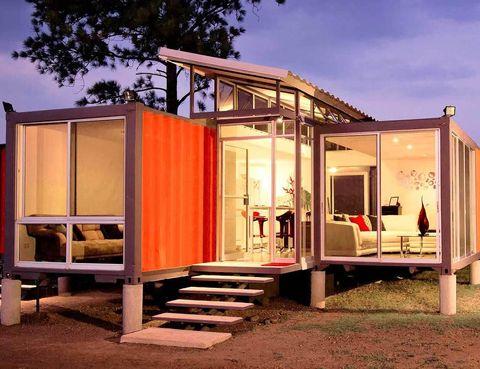 <p>Así se llama este proyecto, concebido por el arquitecto costarricense Benjamín García Saxe. Con contenedores descartados de barcos en Costa Rica, ha creado atractivos prototipos de refugios-viviendas, que ya se están utilizando en África. </p>