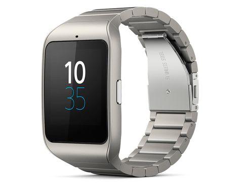<p>El mejor amigo de las 'runners': <strong>Smartwatch 3</strong> de <strong>Sony</strong> tiene GPS integrado, de modo que podrás dejar el teléfono en casa y el reloj se encargará de registrar tu carrera para luego volcar los datos al 'smartphone'. ¿Algo más? Es resistente a salpicaduras.</p><p>Precio: 229 €.</p>