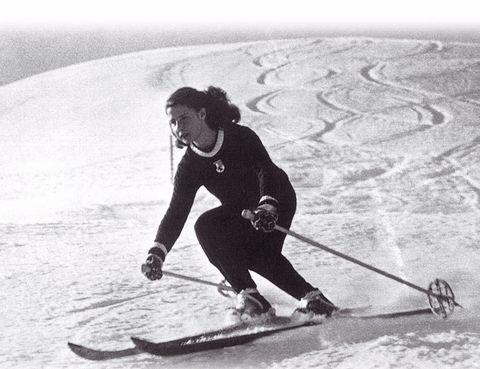 <p>La Duquesa de Alba praticaba sus deportes favoritos con asiduidad. Uno de ellos<strong>, el esquí.</strong></p>