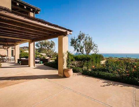 <p>La terraza está orientada a la cercana playa de Zuma y la propiedad ocupa, en total, un terreno de 10.270 m2. </p>