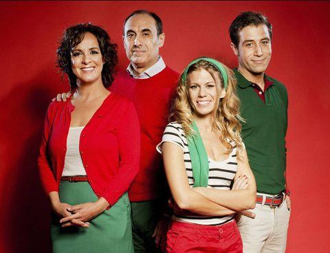 """<p>Si te gustó la película Ocho apellidos vascos, querrás ver Más apellidos vascos, un divertimento que toma como base la comedia cinematográfica para profundizar con humor en el choque de identidades entre el norte y el sur.</p><p><strong>Teatro Marquina, Madrid, desde el 15 de enero,</strong> <a href=""""http://teatrosgrupomarquina.es"""" target=""""_blank"""">teatrosgrupomarquina.es</a></p>"""