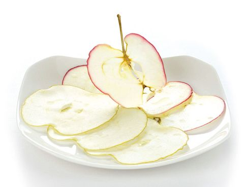 <p>'Chips' caseros de manzana.</p>
