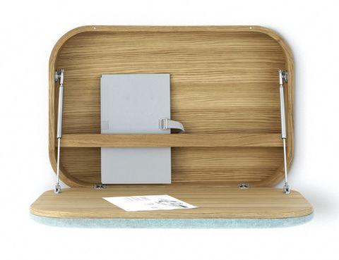 <p>Estante que actúa de superficie de trabajo para apoyar el portátil o la tablet, y se cierra cuando no se usa.</p>