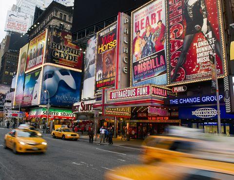 <p>Después probó suerte como actriz, y su gran oportunidad le llegó cuando le ofrerieron protagonizar el musical 'Gigi' en Broadway. Así empezó su gran sueño americano.</p>