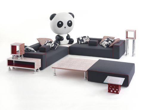 """<p>Cappellini lo tiene claro. <i>Landscape Panda</i> es el nombre de su última colección, obra de Paola Navone. ¿El prota? Este gigantón convertido en lámpara. ¡A por él! <a href=""""http://cappellini.it/en"""" target=""""_blank""""><strong>cappellini.it</strong></a></p>"""