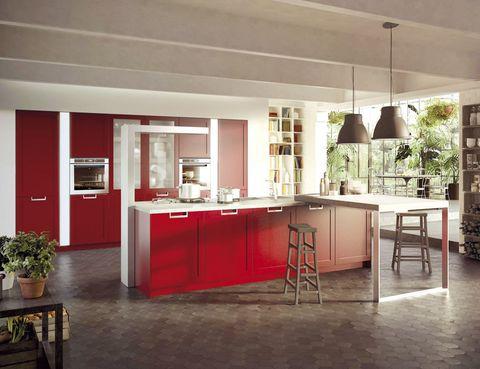 <p><i>Lux Classic,</i> de Pietro Arosio para Snaidero, se presenta en 15 colores. La campana para isla es una columna de 1,80 m. </p>