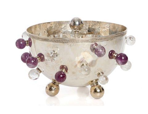<p>Champanera de plata de ley con bolas de amatista y cristal de roca (12.000 €). </p>