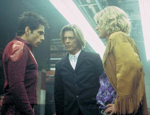 <p>Bowie participó en varias películas; entre ellas 'Zoolander' (2001), donde ejercía de particular juez del duelo de desfiles entre Derek y Hansel.</p>