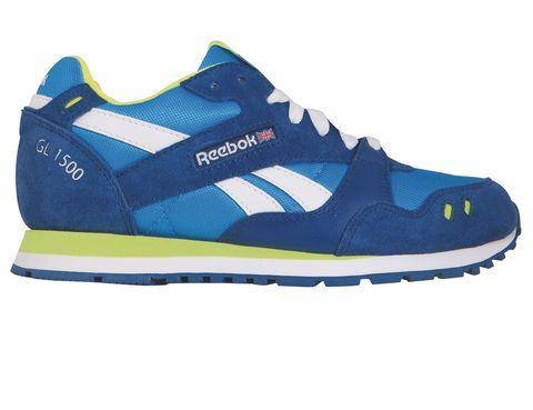 <p>Deportivas GL 1500 en azul vibrante (45 €).</p>