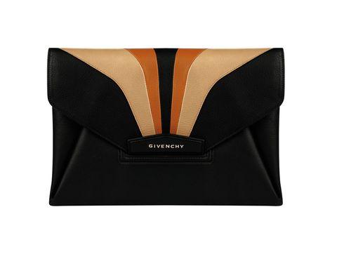 <p>'Retro', de <strong>Givenchy.</strong></p>