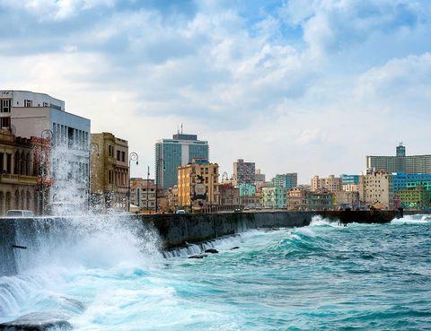 <p>El malecón, uno de los lugares más fotografiados de la ciudad.</p>